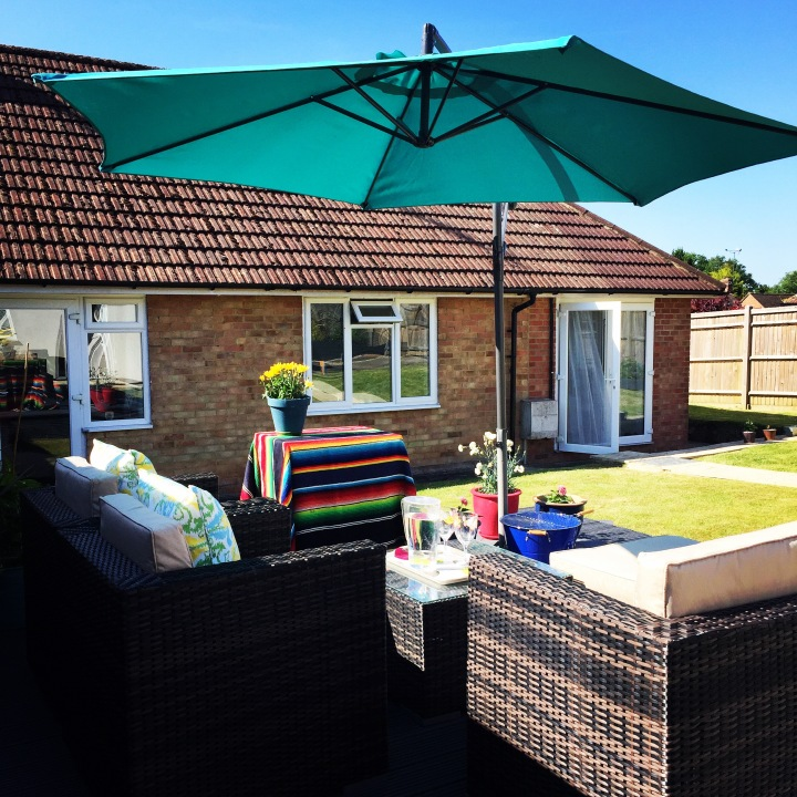 How to create a bright and colourful garden deck or patio usingpaint